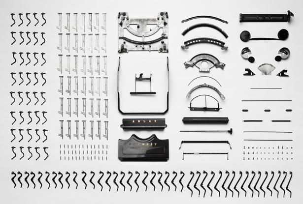 macchina da scrivere destrutturata
